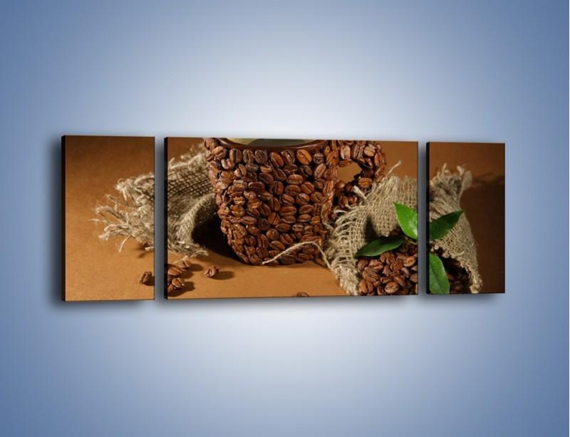 Obraz na płótnie – Kubek z ziarnami kawy – trzyczęściowy JN388W5