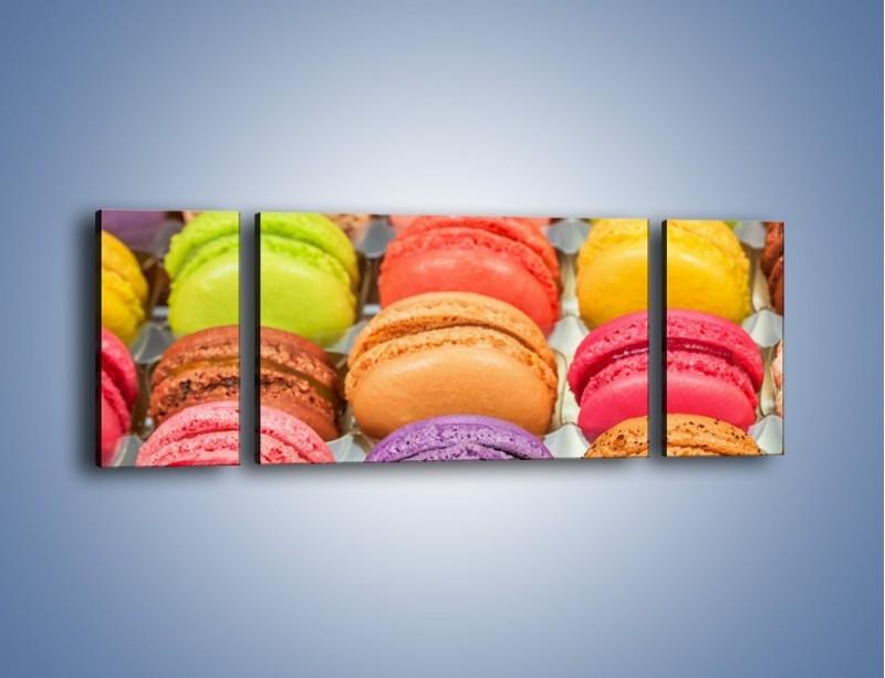 Obraz na płótnie – Słodkie babeczki w kolorach tęczy – trzyczęściowy JN458W5