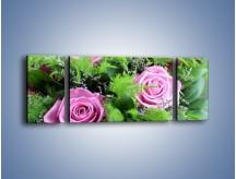 Obraz na płótnie – Bukiet róż wypełniony trawką – trzyczęściowy K068W5