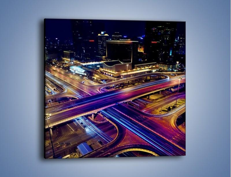 Obraz na płótnie – Skrzyżowanie autostrad nocą w ruchu – jednoczęściowy kwadratowy AM087