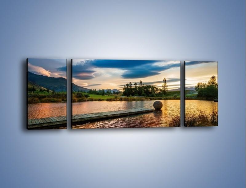 Obraz na płótnie – Drewniana droga do kuli – trzyczęściowy KN829W5