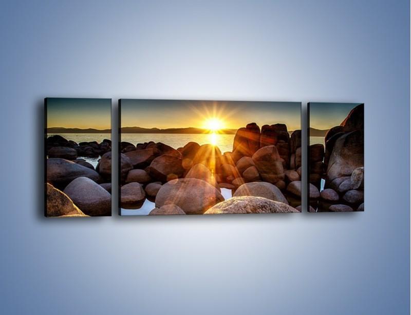 Obraz na płótnie – Kamienna wyspa w słońcu – trzyczęściowy KN888W5