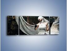 Obraz na płótnie – Dama w białych bandażach – trzyczęściowy L278W5