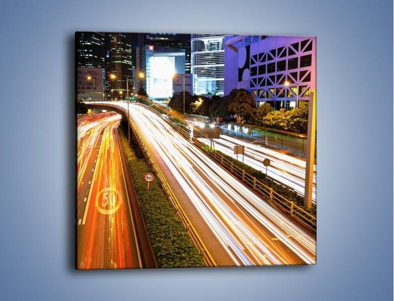 Obraz na płótnie – Ulice w ruchu w mieście – jednoczęściowy kwadratowy AM089