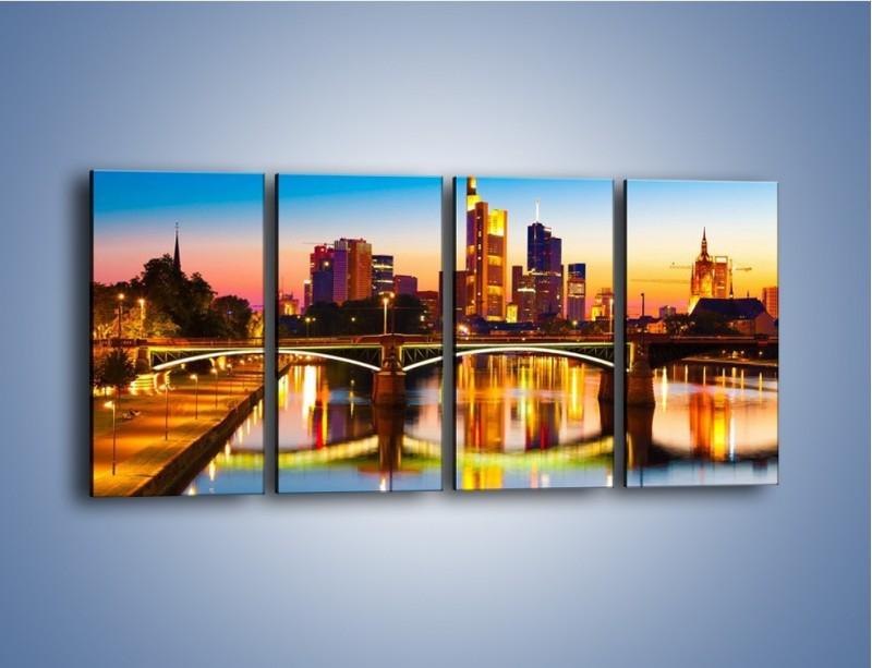 Obraz na płótnie – Oświetlony most we Frankfurcie – czteroczęściowy AM416W1