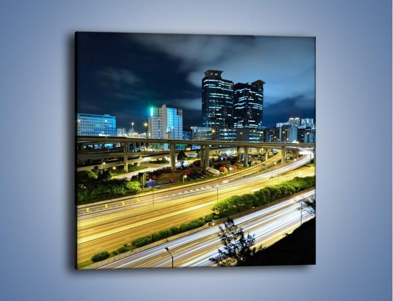 Obraz na płótnie – Przedmieście miasta wieczorem – jednoczęściowy kwadratowy AM091