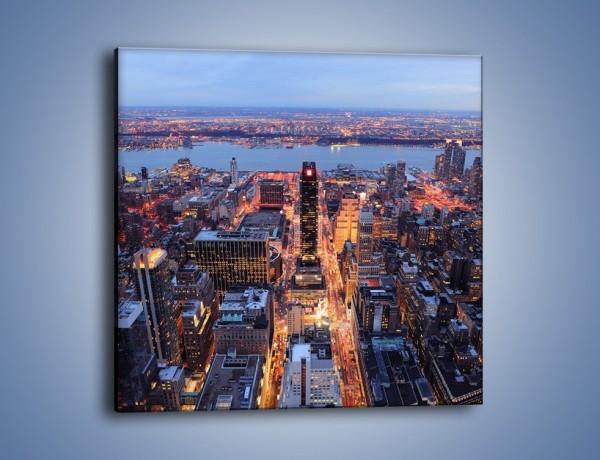 Obraz na płótnie – Budzące się ze snu miasto – jednoczęściowy kwadratowy AM097