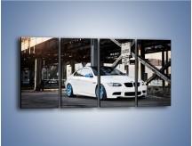 Obraz na płótnie – BMW E92 M3 Coupe pod starym mostem – czteroczęściowy TM088W1