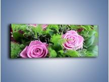 Obraz na płótnie – Bukiet róż wypełniony trawką – jednoczęściowy panoramiczny K068