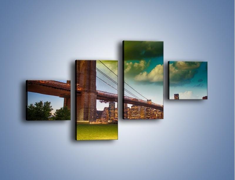 Obraz na płótnie – Most Brookliński pod pochmurnym niebem – czteroczęściowy AM752W3