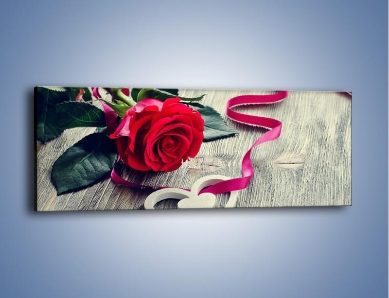 Obraz na płótnie – Od serca aż po różę – jednoczęściowy panoramiczny K1013