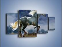 Obraz na płótnie – Bieg z koniem przez noc – czteroczęściowy GR339W4