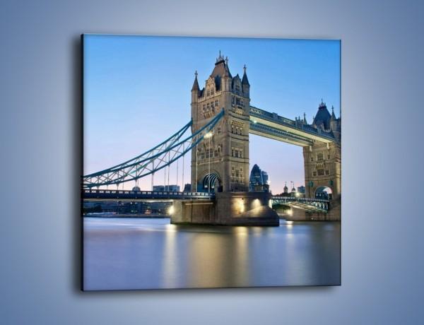 Obraz na płótnie – Tower Bridge o poranku – jednoczęściowy kwadratowy AM143