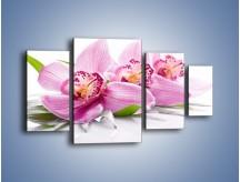 Obraz na płótnie – Biały kwiatowy stół – czteroczęściowy K688W4