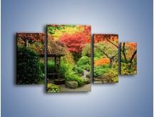 Obraz na płótnie – Alejka między kolorowymi drzewami – czteroczęściowy KN1113W4
