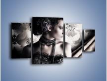 Obraz na płótnie – Czarny kobiecy charakter – czteroczęściowy L095W4