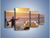 Obraz na płótnie – Chevrolet Camaro na pustynnej drodze – czteroczęściowy TM080W4