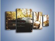Obraz na płótnie – Chevrolet Camaro w matowym kolorze – czteroczęściowy TM132W4