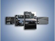 Obraz na płótnie – Czarne BMW E39 M5 – czteroczęściowy TM072W5