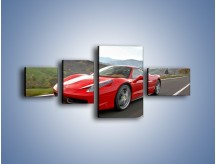 Obraz na płótnie – Czerwone Ferrari 458 Italia – czteroczęściowy TM194W5