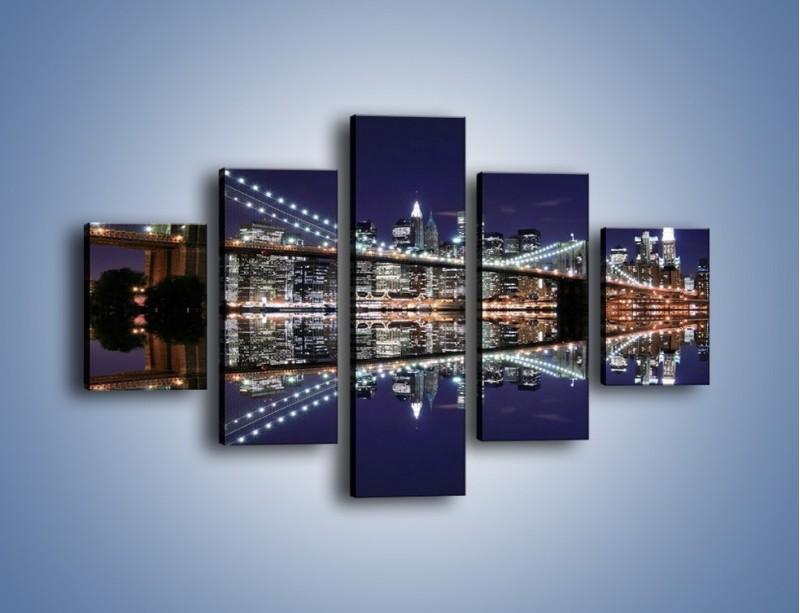 Obraz na płótnie – Most Brookliński w lustrzanym odbiciu wody – pięcioczęściowy AM067W1