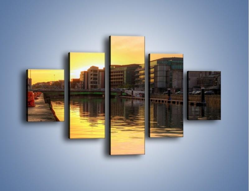 Obraz na płótnie – Kanał portowy o wschodzie słońca – pięcioczęściowy AM079W1