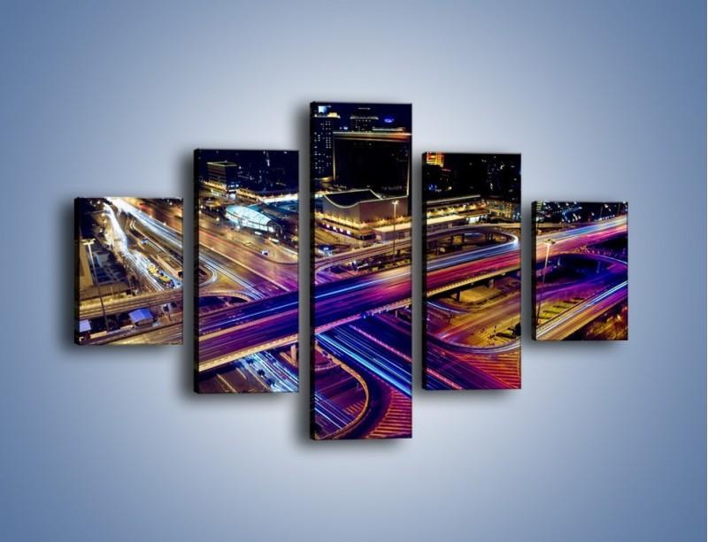 Obraz na płótnie – Skrzyżowanie autostrad nocą w ruchu – pięcioczęściowy AM087W1