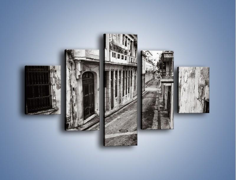 Obraz na płótnie – Urokliwa uliczka w starej części miasta – pięcioczęściowy AM124W1