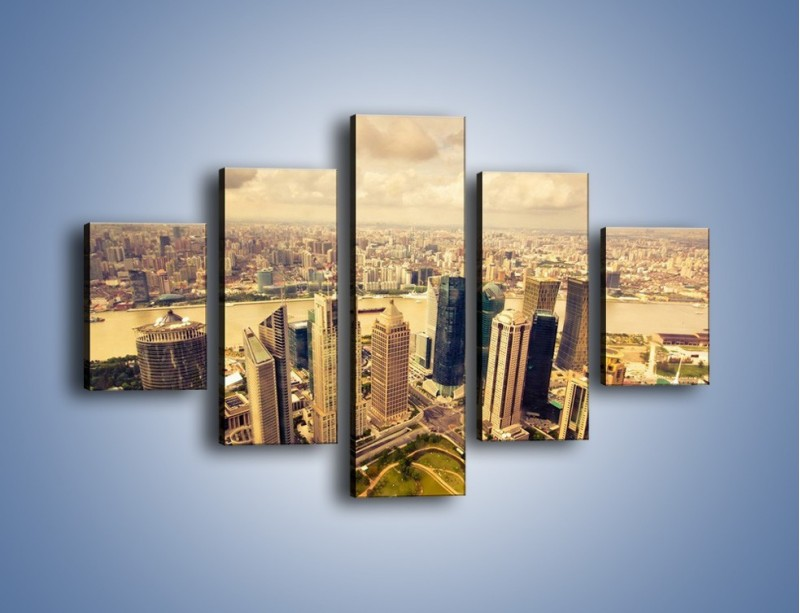 Obraz na płótnie – Miasto w pochmurny dzień – pięcioczęściowy AM178W1