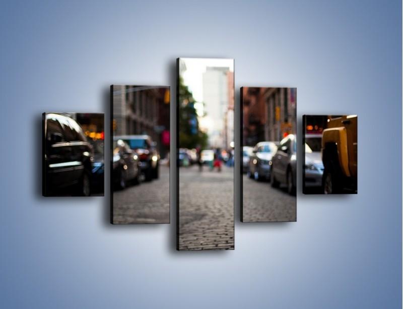 Obraz na płótnie – Rozmyty świat centrum miasta – pięcioczęściowy AM367W1
