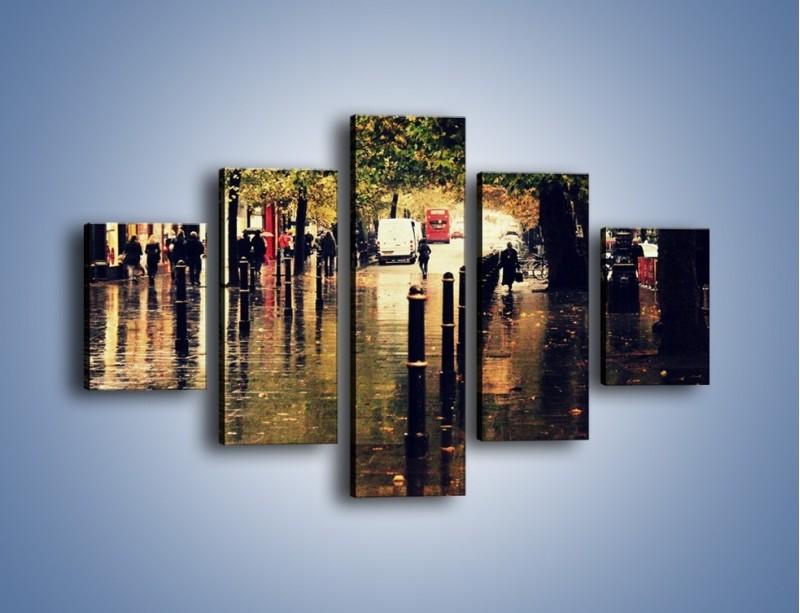 Obraz na płótnie – Deszczowa jesień w Moskwie – pięcioczęściowy AM383W1