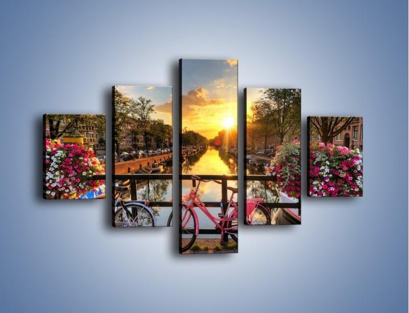 Obraz na płótnie – Zachód słońca nad amsterdamskim kanałem – pięcioczęściowy AM483W1