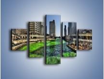 Obraz na płótnie – Chicago River w Dzień św. Patryka – pięcioczęściowy AM605W1