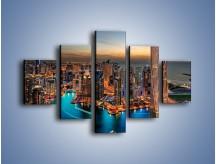 Obraz na płótnie – Centrum Dubaju wieczorową porą – pięcioczęściowy AM656W1