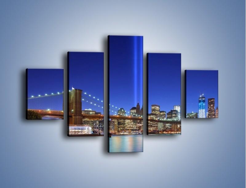 Obraz na płótnie – Świetlne kolumny w Nowym Jorku – pięcioczęściowy AM757W1