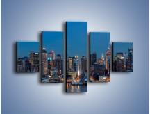 Obraz na płótnie – Panorama Nowego Yorku w nocy – pięcioczęściowy AM809W1