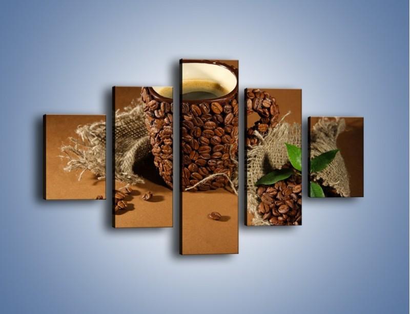 Obraz na płótnie – Kubek z ziarnami kawy – pięcioczęściowy JN388W1