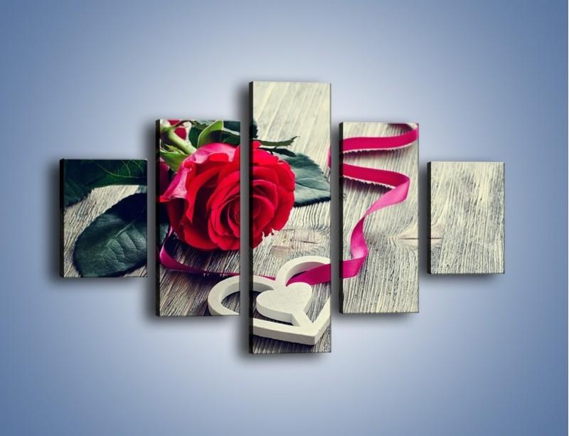 Obraz na płótnie – Od serca aż po różę – pięcioczęściowy K1013W1