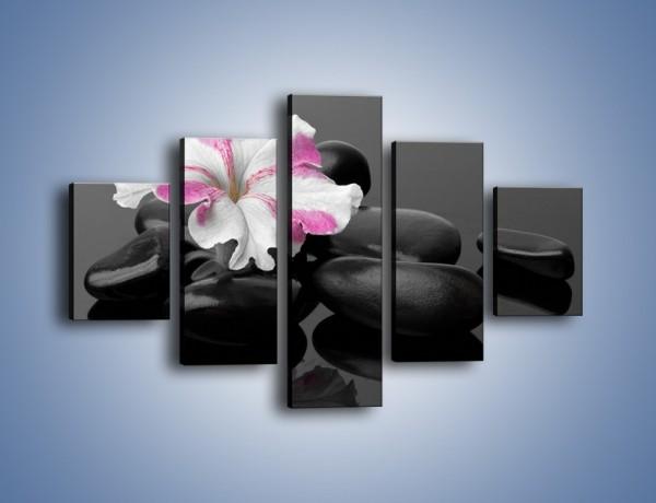 Obraz na płótnie – Czarna tafla z kwiatem – pięcioczęściowy K520W1