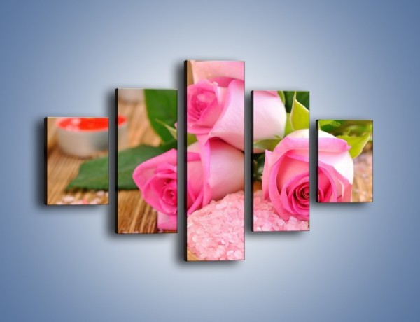 Obraz na płótnie – Wieczorna kąpiel z różami – pięcioczęściowy K615W1