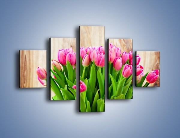 Obraz na płótnie – Różowe tulipany na drewnianym stole – pięcioczęściowy K937W1