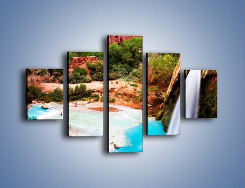 Obraz na płótnie – Zabawy przy wodospadzie – pięcioczęściowy KN095W1