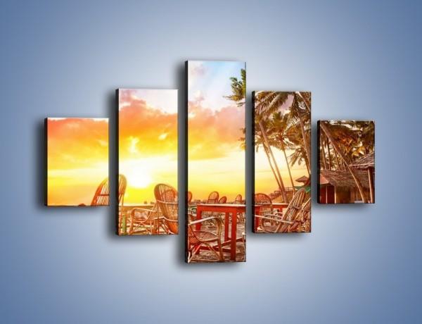 Obraz na płótnie – W wiklinowym krześle na zachód słońca – pięcioczęściowy KN1104W1