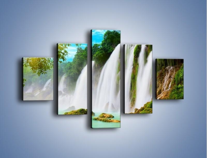 Obraz na płótnie – Wilgotny nawiew z wodospadu – pięcioczęściowy KN1138AW1