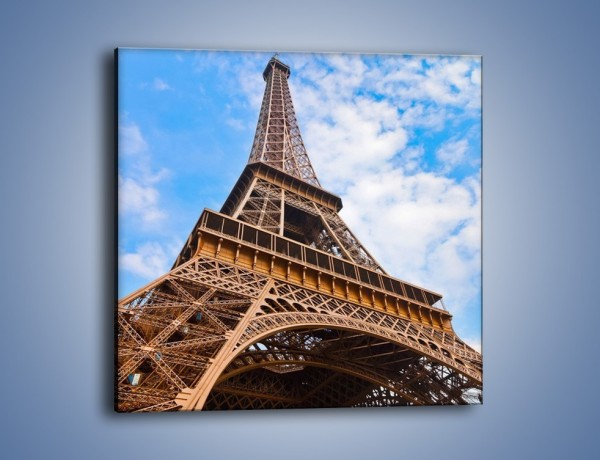 Obraz na płótnie – Wieża Eiffla pod chmurkami – jednoczęściowy kwadratowy AM173