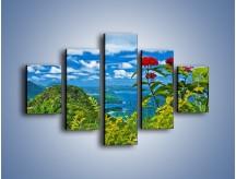 Obraz na płótnie – Bordowe kwiaty w górskim krajobrazie – pięcioczęściowy KN561W1