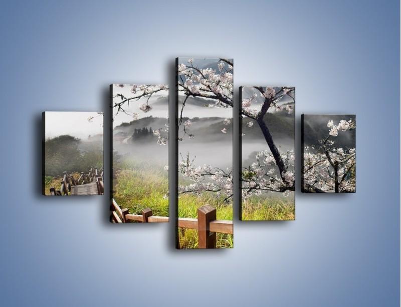 Obraz na płótnie – Drzewo wiśni i kręte schody – pięcioczęściowy KN698W1