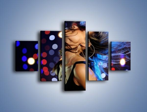 Obraz na płótnie – Radość i kolorowe lampki – pięcioczęściowy L009W1
