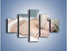 Obraz na płótnie – Biel idealna do łóżka – pięcioczęściowy L024W1