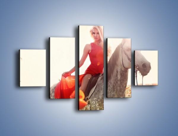 Obraz na płótnie – Damska przejażdżka w makach – pięcioczęściowy L332W1